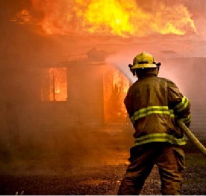 bombero-apagando-incendio